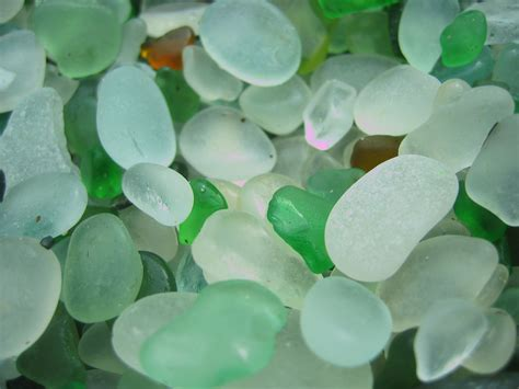 sea treasure the magpies nest - Sea Glass