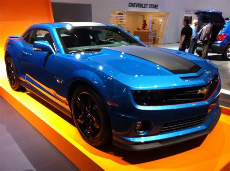 black camaro with blue stripes glossy blue covering on chevrolet camaro with black