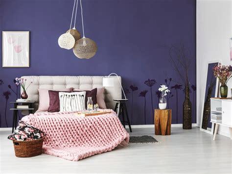 schlafzimmerwand ideen violette w 228 nde und dekoration ideen tipps
