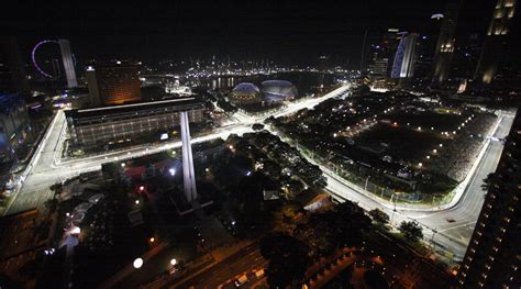 A Ferrari Drove 300 Kilometers In One And A Half Hours How Fast Was The Car Going by The Singapore Grand Prix Photos The Big Picture