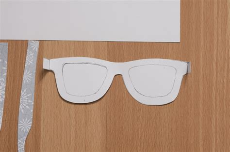 How To Make Paper Glasses - diy photo booth shades
