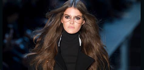 donne e bagnate capelli lunghi cinque dritte per mantenerli sani io donna