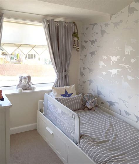 boys bedroom wallpaper best 25 toddler boy bedrooms ideas on pinterest toddler
