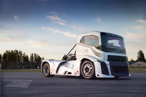Fastest Volvo In The World Volvo Trucks Iron 276 Km H For The Truck The