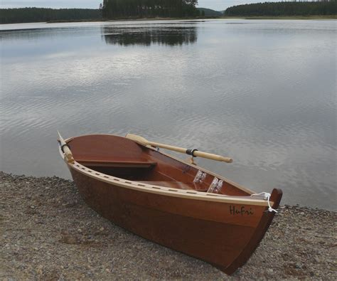 zelf roeiboot bouwen scheepsbouw zelfbouw schip schepen boot gemaakt van ons hout