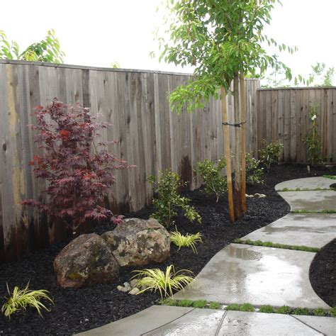Meandering Walkway In Sideyard Contemporary Landscape River City Landscaping