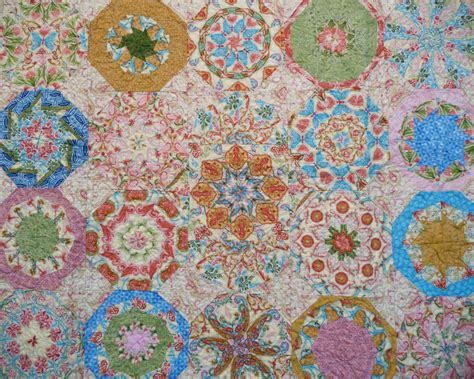 Handmade Quilt - database 187 handmade quilts 187 kaleidoscope center