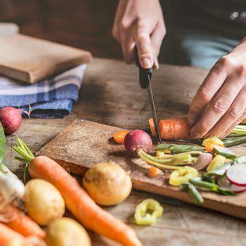 alimentazione e ipertiroidismo ipertiroidismo e alimentazione attenzione all eccesso di