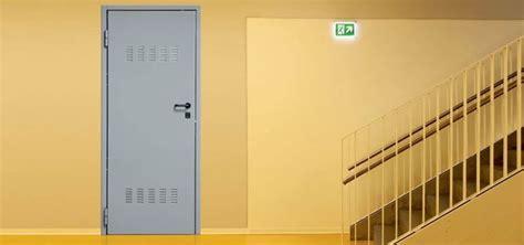 porte in ferro per cantine prezzi porte per cantine porte tipologie di porte per cantine