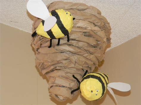 How To Make A Paper Bee - and greatest things by bee hive