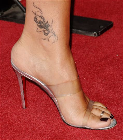 daisy fuentes feet starlight celebrity