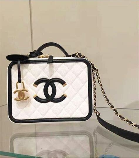 chanel cc filigree vanity bag might return for summer 2017 collection for