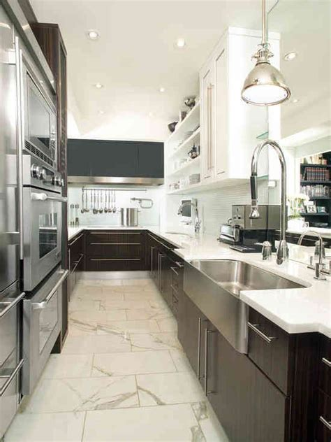kitchen cabinets for small galley kitchen 1000 ideas about galley kitchen design on pinterest