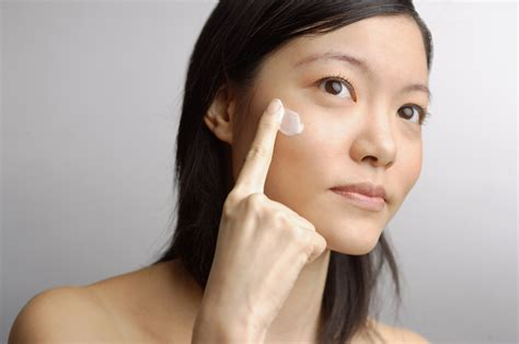Krim Wajah Goji goji untuk kecantikan dan keremajaan kulit anda