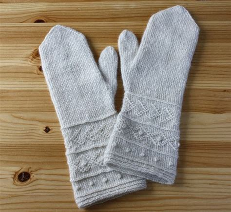 english knitting pattern for mittens riihivilla dyeing with natural dyes mascha s twined mittens