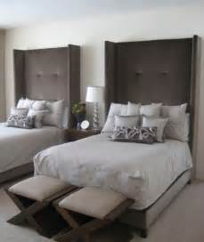10 Tall Headboards For A Unique And Dramatic Bedroom Décor