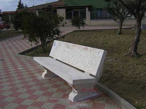 panchine cemento comune di soleminis ca panchine in cemento con schienale