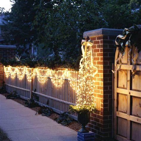 Weihnachtsdeko Gartenzaun by Festliche Gartenbeleuchtung Zu Weihnachten