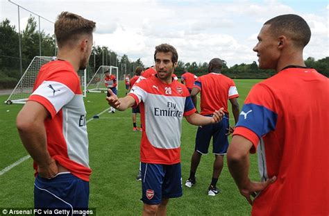 aaron ramsey does david beckham impression in arsenal pre aaron ramsey does david beckham impression in arsenal pre