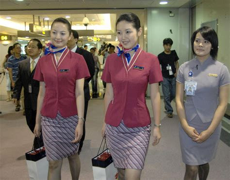 how to become a flight attendant for airlines in the middle east books flight attendant wannabe impersonating