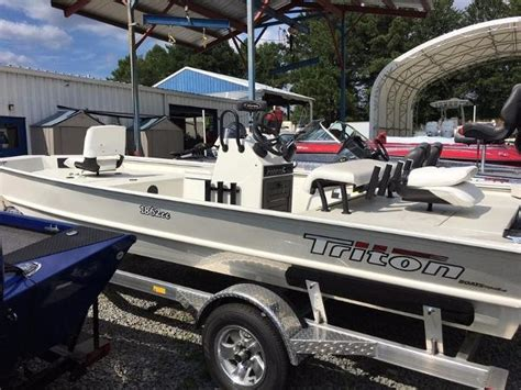 triton bay boats for sale triton 1862 cc bay boats for sale boats