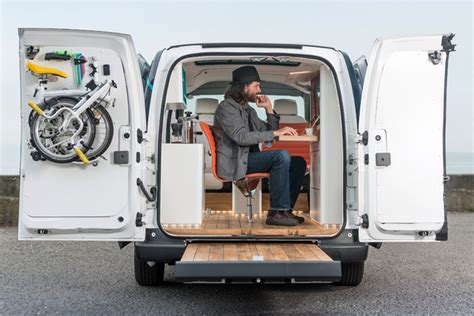 Lu Led Mobil Datsun electric mobile office 187 retail design