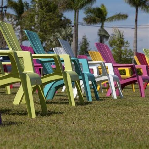 Cleaning Plastic Chairs Outside - how to clean chalky plastic lawn chairs cleaning and