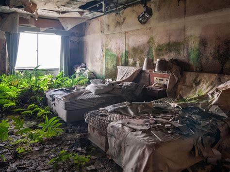 story  haunting abandoned luxury hotel  japan