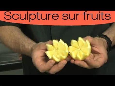 Decoupe Legume Decoration by D 233 Coration Culinaire D 233 Couper Un Fruit En Dents De Loup