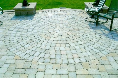 Circular Patio Pavers Circle Patio Pavers Home Design Ideas And Pictures