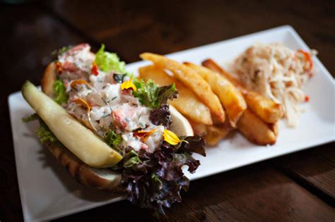 winsor house inn new england lobser roll picture of winsor house inn restaurant duxbury tripadvisor