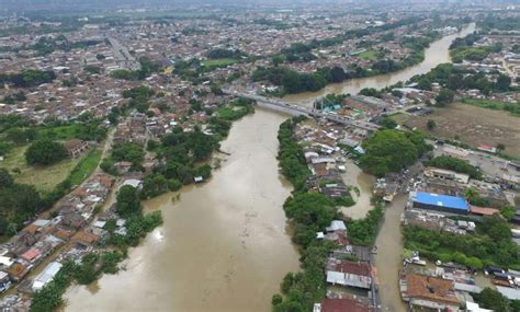 orilla del rio cauca imagen foto paisajes colombia floods causing emergencies in 1 3rd of colombia s provinces heavier rains expected