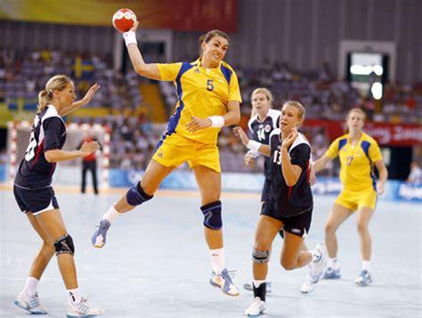 imagenes de niños jugando al handbol handball