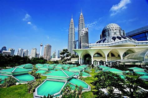 places  visit  malaysia big cities bright lights