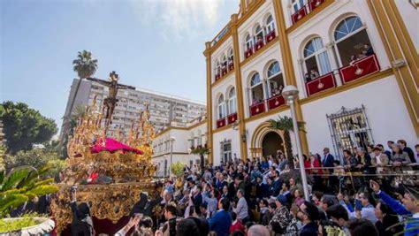 jueves santo  en sevilla horario  itinerario de las procesiones de semana santa