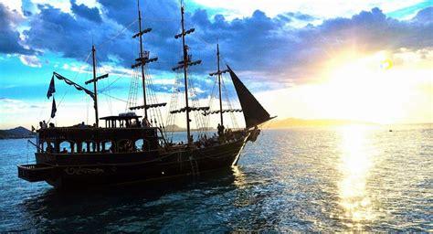 barco pirata 3 viajes barcos imprescindibles para que usted pueda hacer