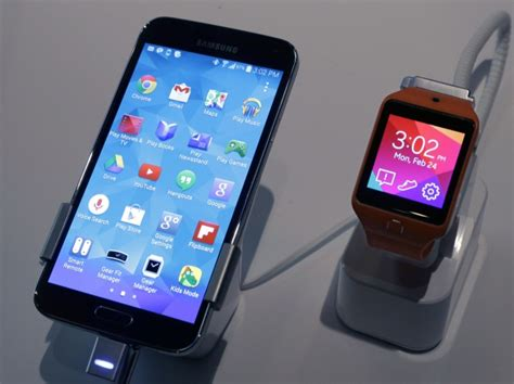 5 smart cell phone tech gadgets on amazon youtube mwc 2014 samsung and other smartphone giants want your