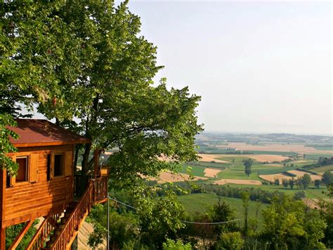 dormire casa sull albero hello world
