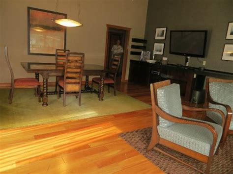 living dining area in suite picture of salish lodge
