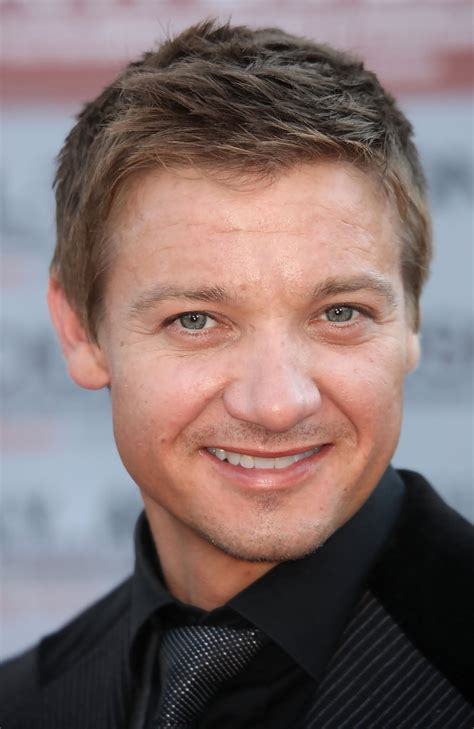 jeremy renner hurt locker hairstyle jeremy renner in screening of quot the hurt locker quot arrivals