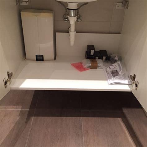 durchlauferhitzer im bad alternative zur fliese robuste vinylplatten in modernen