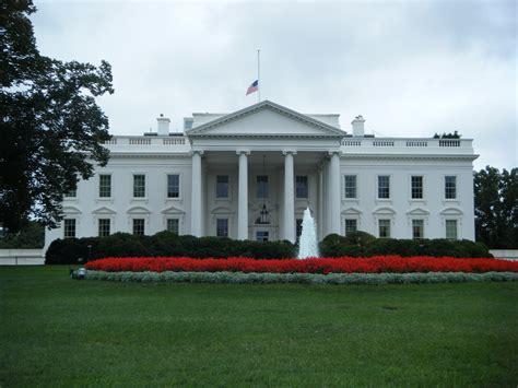 which president got stuck in the white house bathtub esto es lo que gana un presidente de los estados unidos