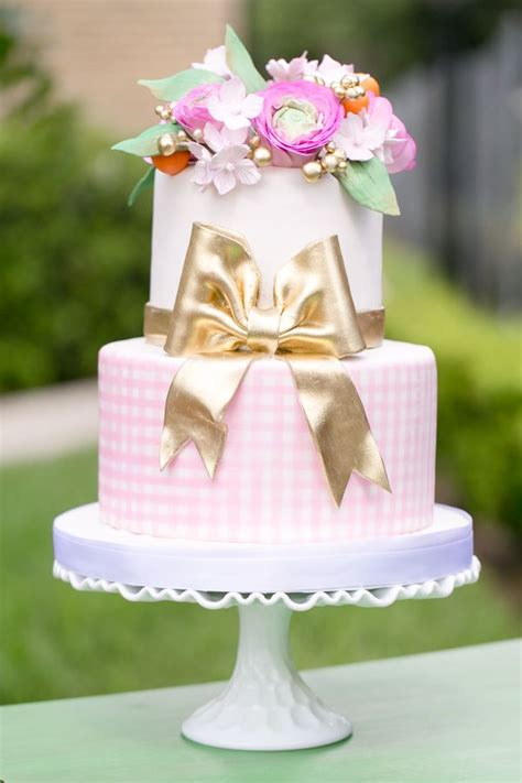 20  Super Elegant and Beautiful Cakes   Page 4 of 39