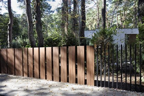 Fancy Trellis Fencing Gallery Of This New Quot Fancy Fence Quot System Retracts Gate