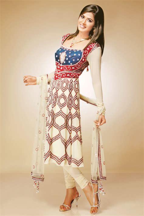 hot ladies fashion bridal pakistani dresses suits mehndi designs pic