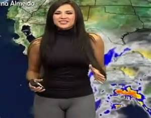 susana almeida suffers wardrobe malfunction live on tv