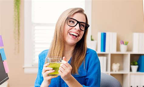 Teh Hijau Di Supermarket temukan 5 manfaat teh hijau untuk kecantikan kulit