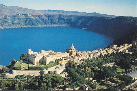 La Lago Castel Gandolfo by Itinerari Di Pasquetta Castel Gandolfo