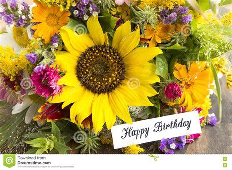 foto mazzi di fiori per compleanno mazzo di fiori fiori bouquet compleanno illustrazione