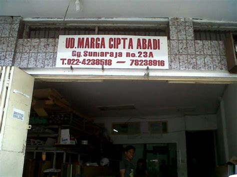 Acrylic Malang pt sugison senada advertising division